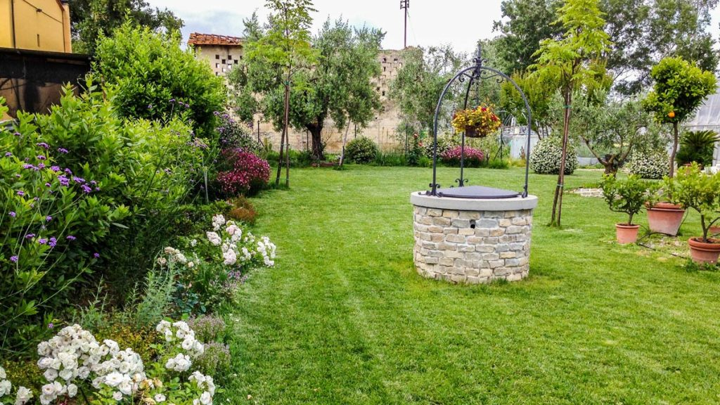 Progettazione realizzazione piccoli giardini mati 1909 toscana - Immagini di ville con giardino ...