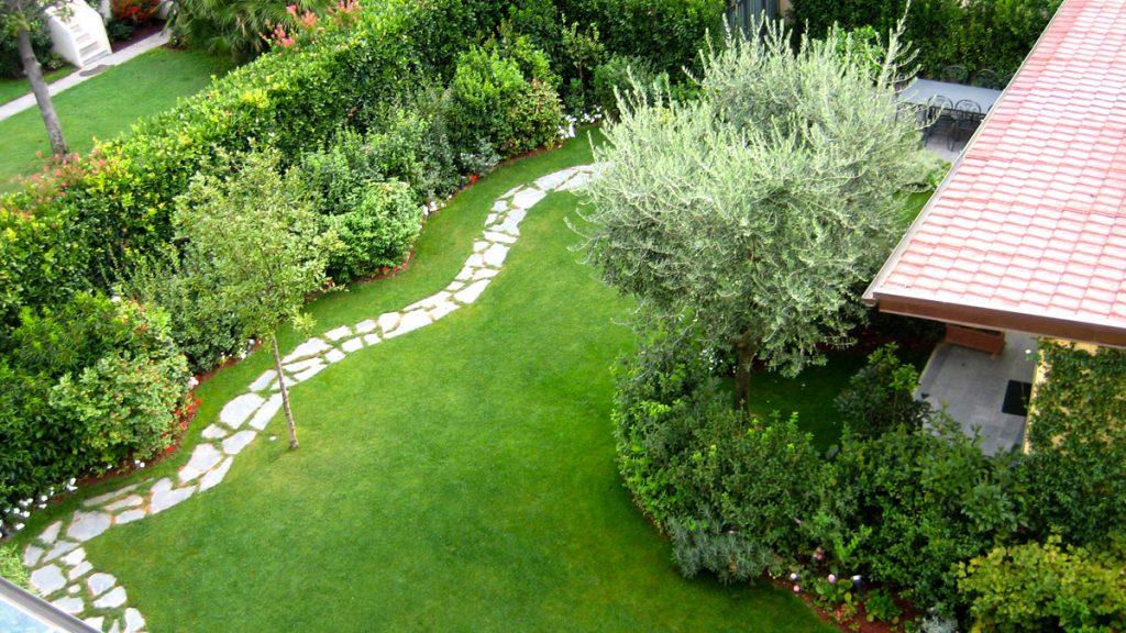 Progettazione realizzazione piccoli giardini mati 1909 toscana - Idee giardino senza erba ...
